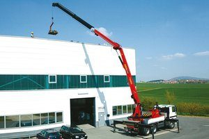 PERFORMANCE 300x200 MOBILE CRANES AND BASKETS